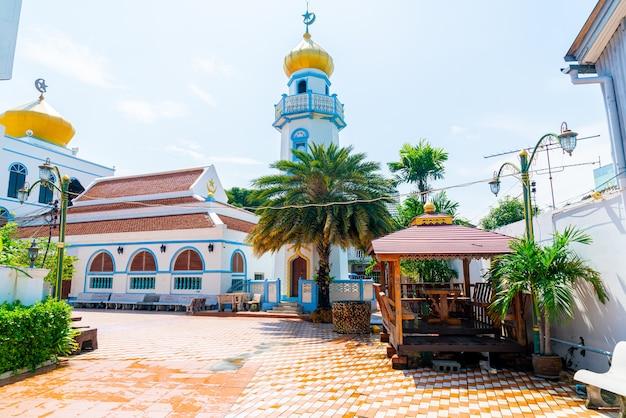 Prachtige architectuur in musjid asassul islam in songkla, thailand