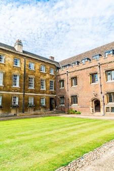 Prachtige architectuur st. john's college in cambridge, verenigd koninkrijk.