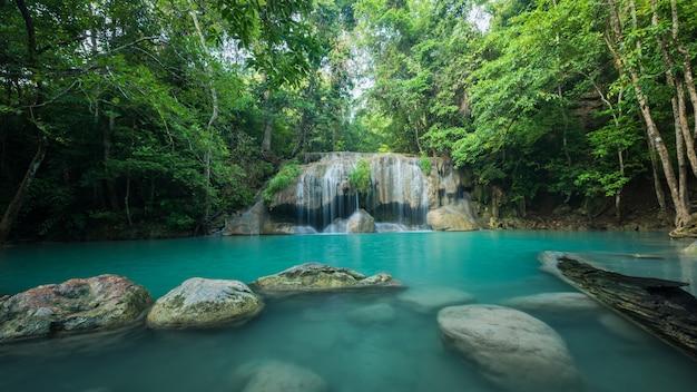 Prachtige groene waterval
