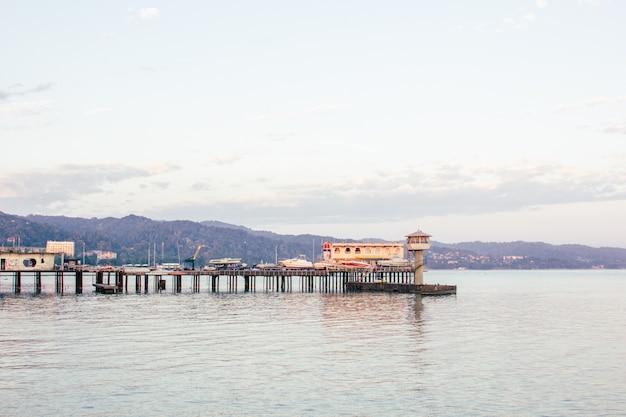Prachtige kust van een stad