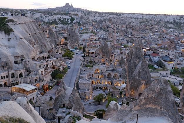 Prachtige landschappen uitzicht op cappadocië beroemde bezienswaardigheid van turkije
