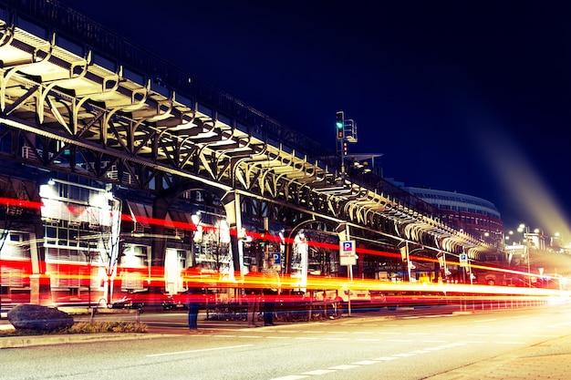 Prachtige nacht stadslichten. abstract. urban concept. hamburg, duitsland.