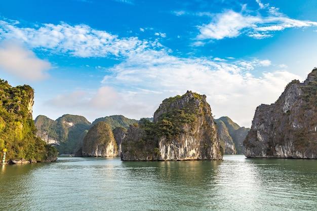 Prachtige natuur bij halong bay