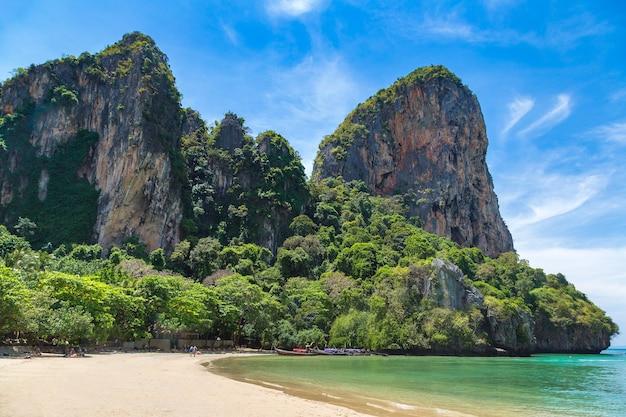 Prachtige natuur op railay beach, krabi, thailand