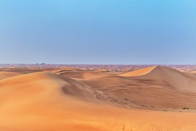 Prachtige zandduinen in de woestijn.