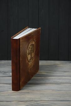 Premium fotoboek, groot formaat, natuurlijke houten kaft, trouwfotoboek, familiefotoboek, dikke vellen, kwaliteitsbinding