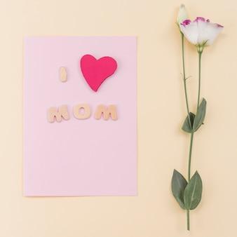 Prentbriefkaar en bloem voor moederdag`