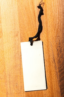 Prijskaartje label op houten