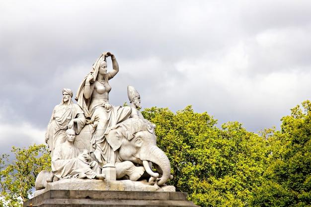 Prince albert memorial (azië) in londen, groot-brittannië