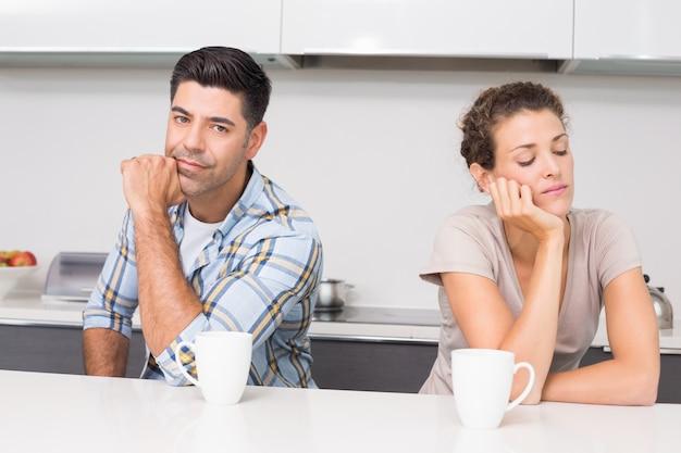 Probleem paar met koffie niet met elkaar praten