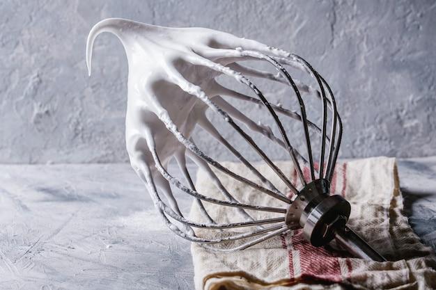 Proces van het koken van meringue