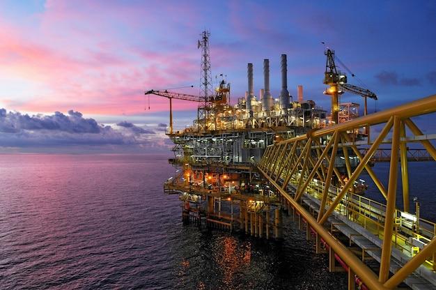 Productie en exploratie van olie en gas in de golf van thailand.