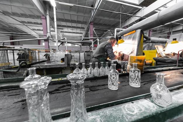 Productie van glaswerkindustrie bij de fabricage van glasproductie