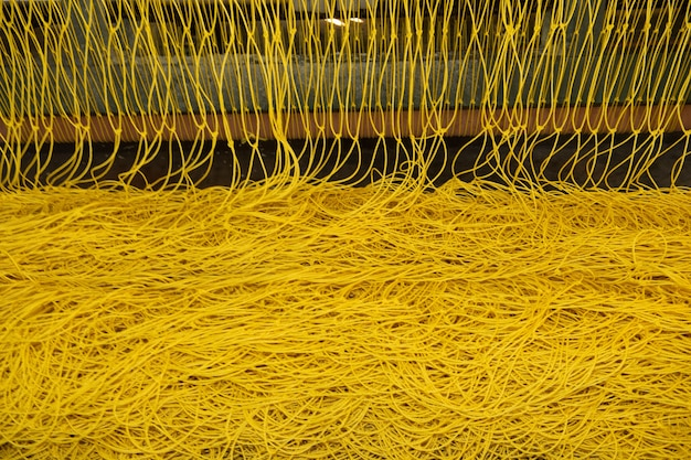 Productie van nylondraad in een fabriek
