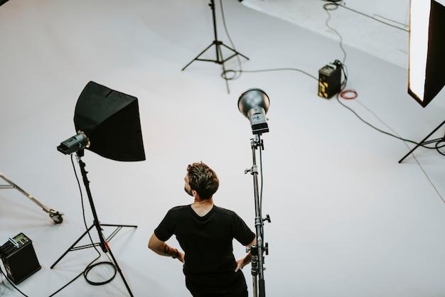 Productiepersoneel man in een shoot