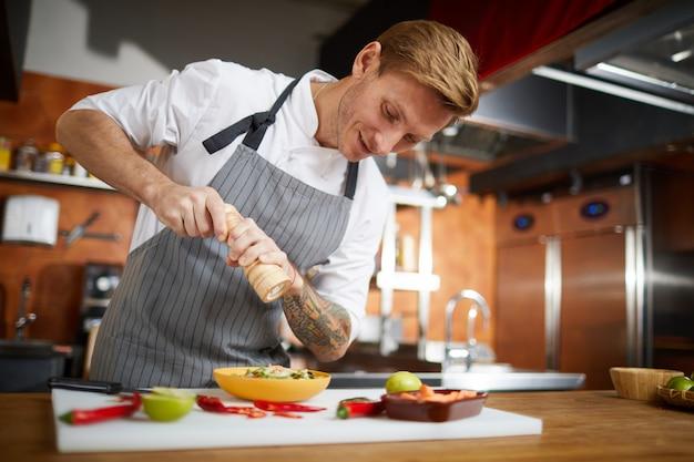 Professionele chef kruiden schotel