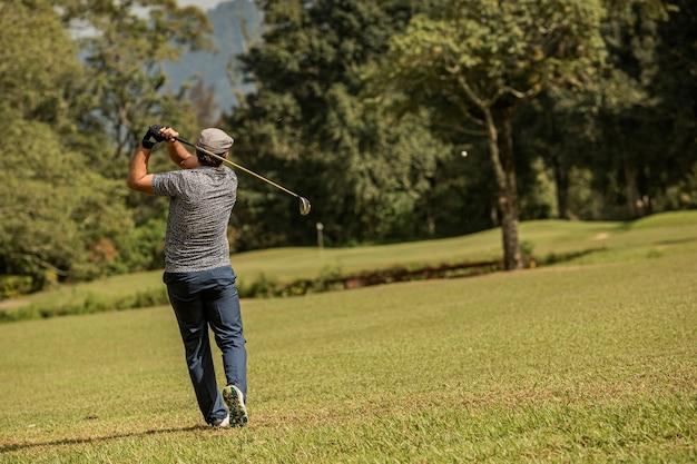 Professionele golfer. bali. indonesië.