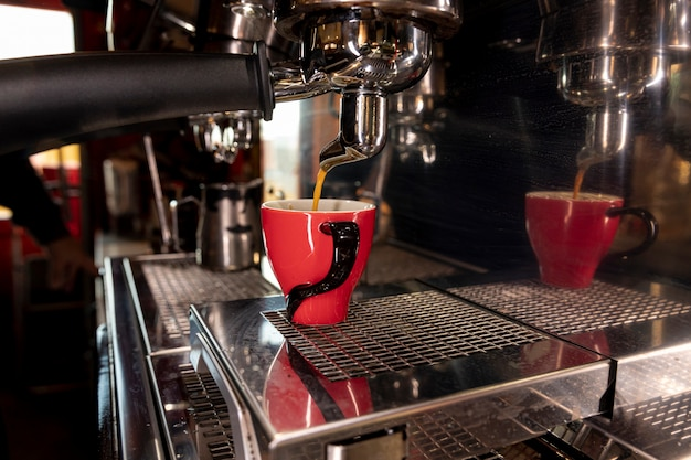 Professionele koffiemachine van close-up