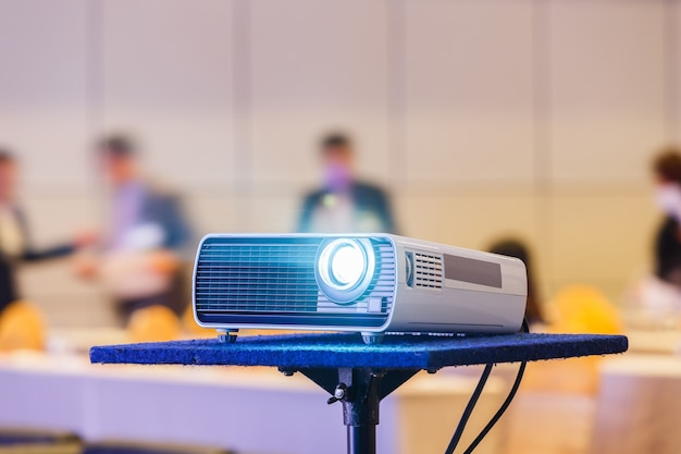 Projector in conferentieruimte