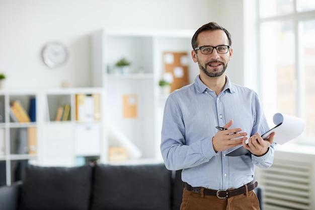 Psycholoog in kantoor