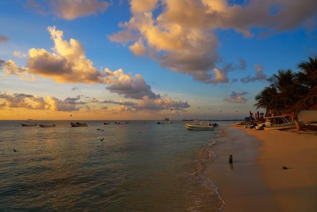Puerto morelos-zonsondergang in riviera maya