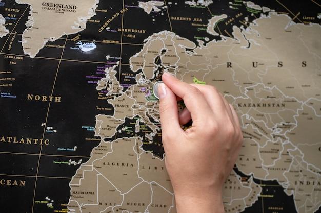 Punt plaats op de wereldkaart. markeer op de kaart.