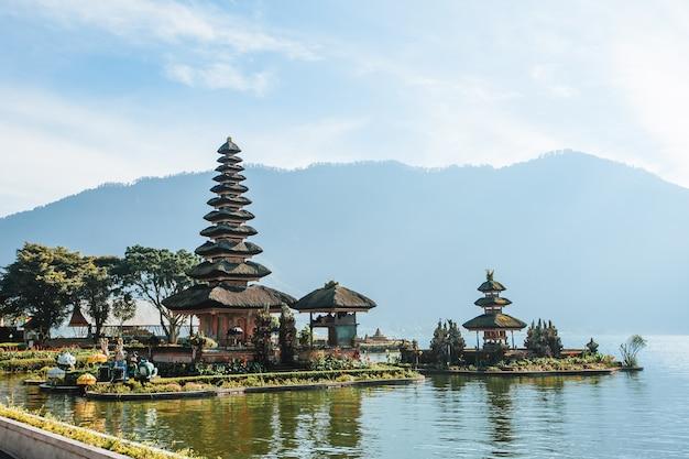 Pura bratan-tempel in bali, indonesië