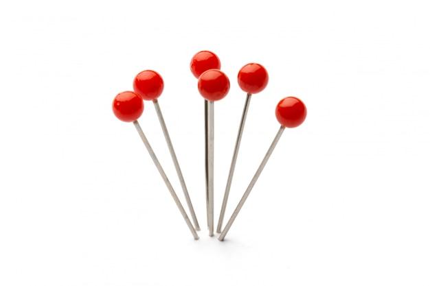 Push pins geïsoleerd op wit