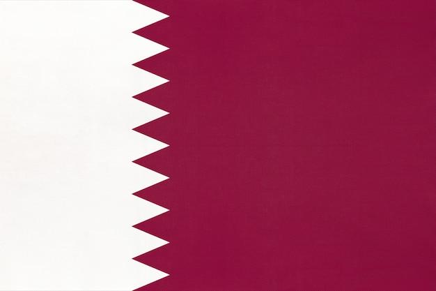 Qatar nationale stof vlag textiel achtergrond, symbool van wereld aziatische land,