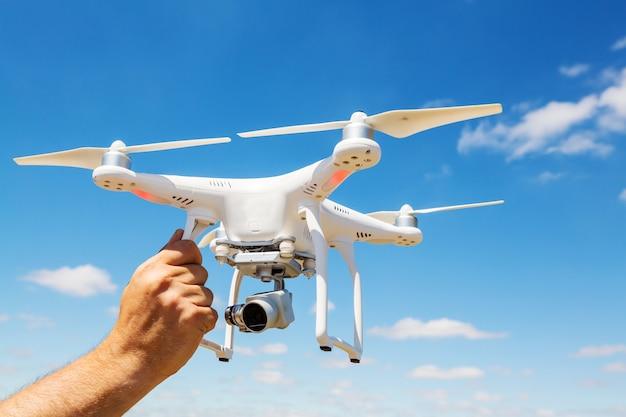 Quadcopter drone vliegen