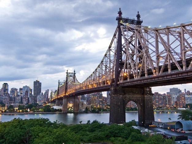 Queens bekijkt manhattan bridge usa