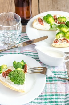 Quiche met broccoli en zongedroogde tomaten