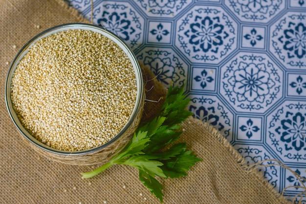 Quinoa gezond en natuurlijk voedsel. glutenvrij.