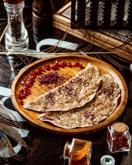 Qutabs met sumakh en granaatappel