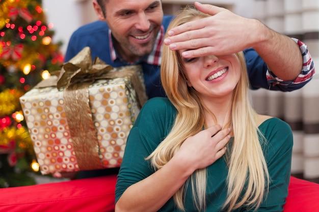 Raad eens, voor wie is de volgende kerstcadeau