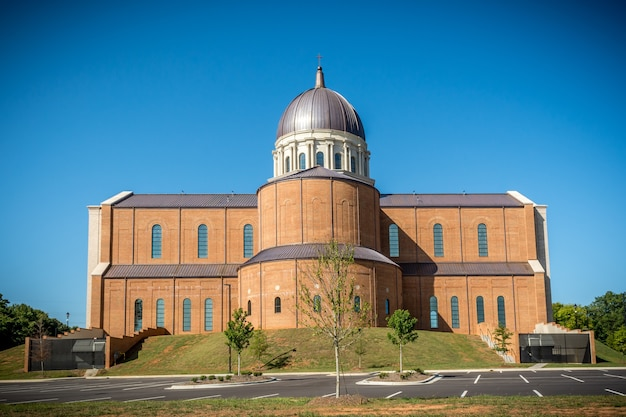 Raleigh north carolina, vs bouw van de kathedraal van de heilige naam van jezus