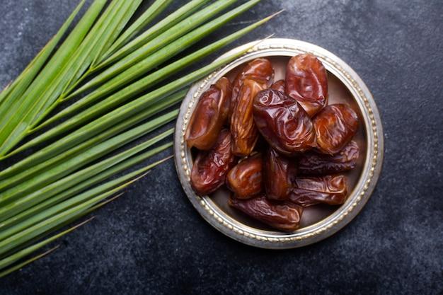 Ramadan-dadels zijn traditioneel voedsel voor iftar in de islamitische wereld