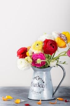 Ranunculus boterbloem bloemen van verschillende kleuren