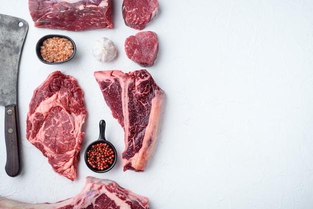 Rauw vers gemarmerd vlees steak, kruiden set