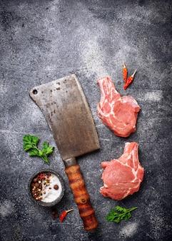 Rauw vlees en slagersmes