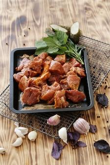 Rauw vlees koken