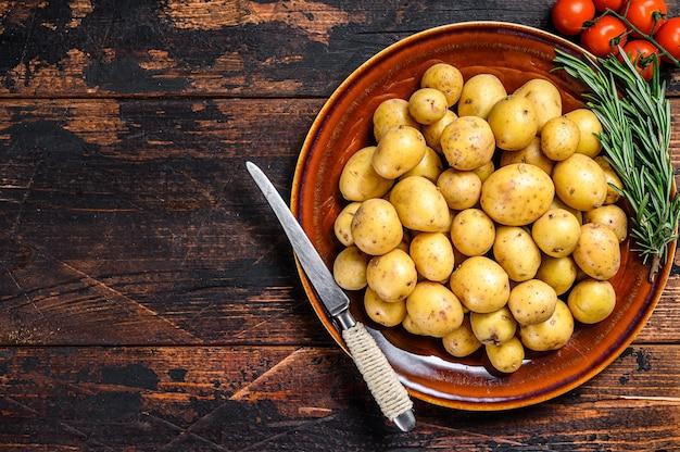 Rauwe baby mini aardappelen