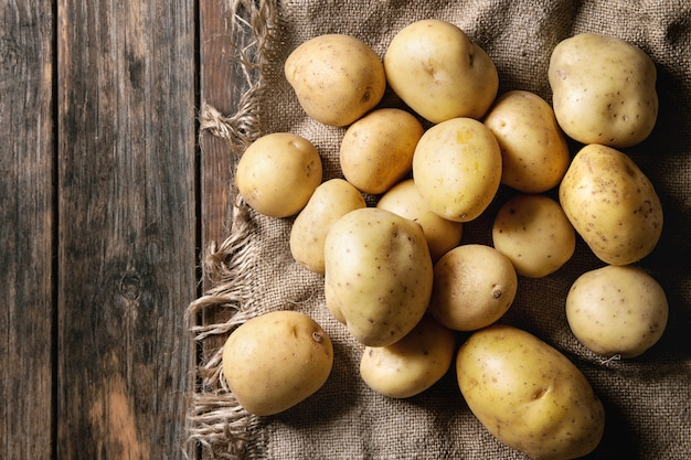 Rauwe biologische aardappelen