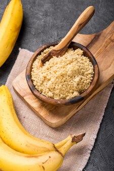 Rauwe en gedroogde bananen
