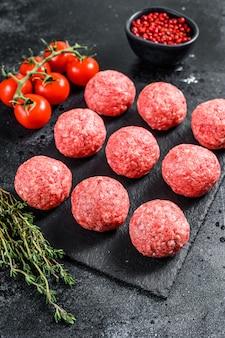 Rauwe gehaktballen, gehakt varkensvlees