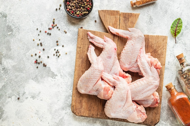Rauwe kippenvleugels stukjes gevogelte vlees snack gezonde maaltijd