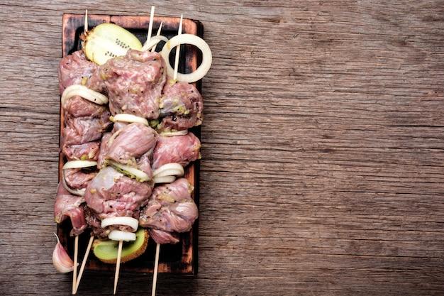 Rauwe shish kebab