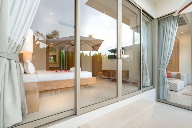 Real luxury interieurontwerp in slaapkamer met lichte en heldere ruimte in huis of thuis