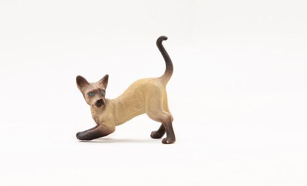 Realistisch speelgoed siamese kat