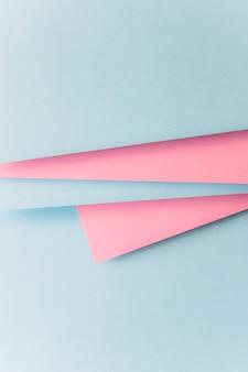 Realistische blauwe en roze achtergrond papier
